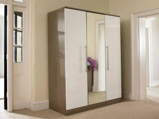 mẫu tủ quần áo gỗ ép có gương với thiết kế hiện đại, đơn giản